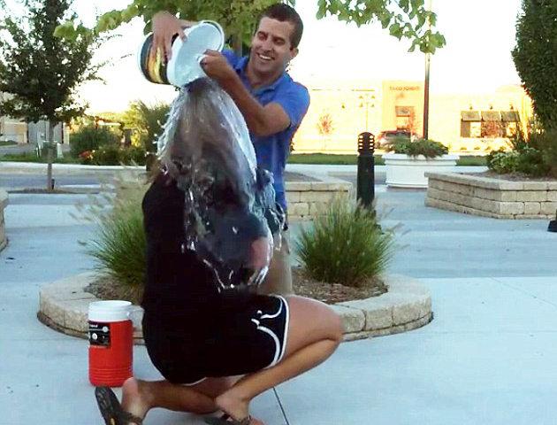Ice-Bucket-Challenge-mariage-3