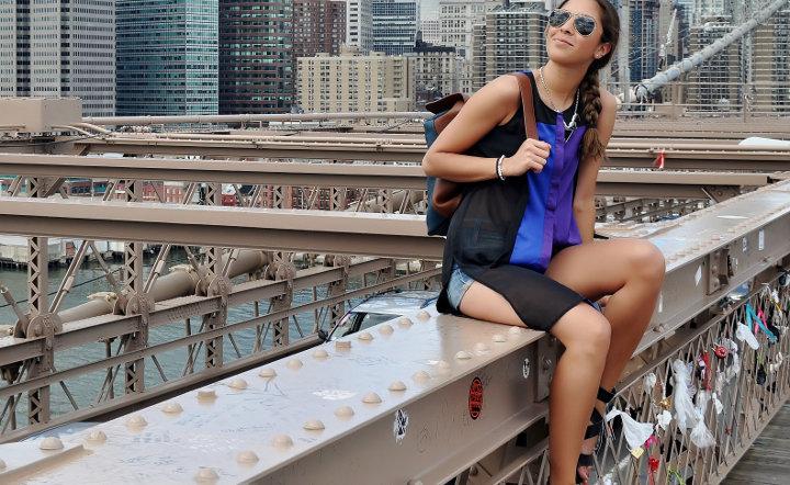 Le pont de Brooklyn envahit par des cadenas de l'amour d'un nouveau genre.